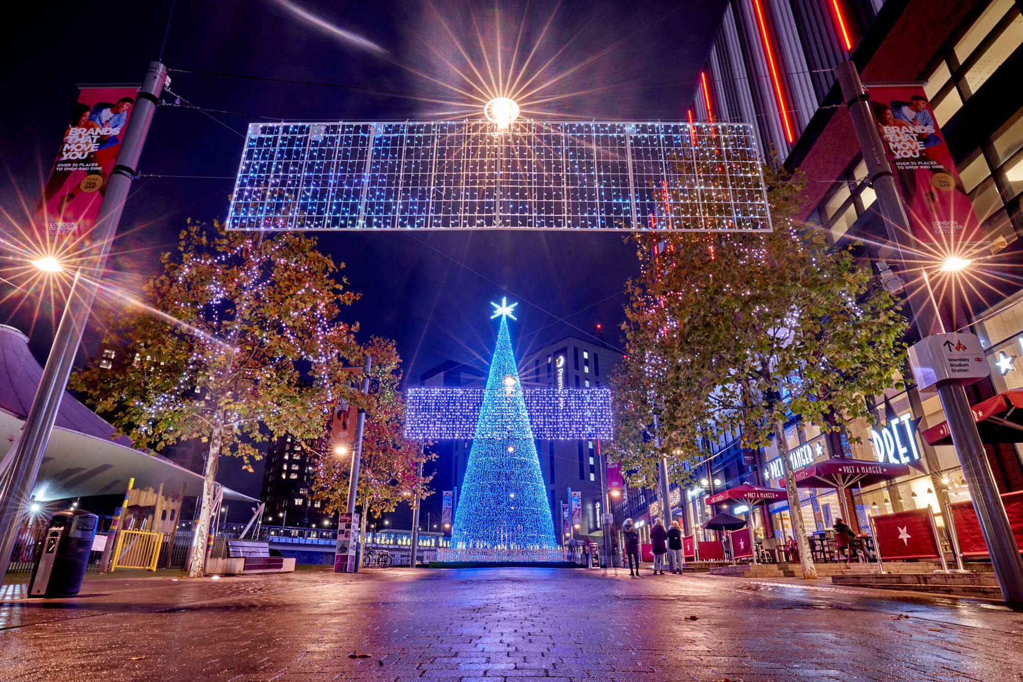 LED Tree and Cross Street Banners