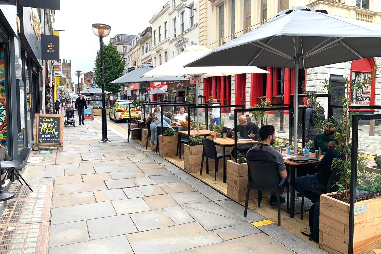 Parklets with Restuarant Booths